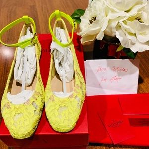✨Brand New✨ VALENTINO Lace Shoes